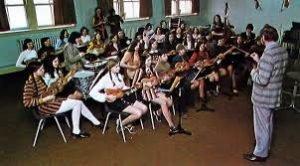Storia dell'ukulele: Chalmers Doane ukulele in classe